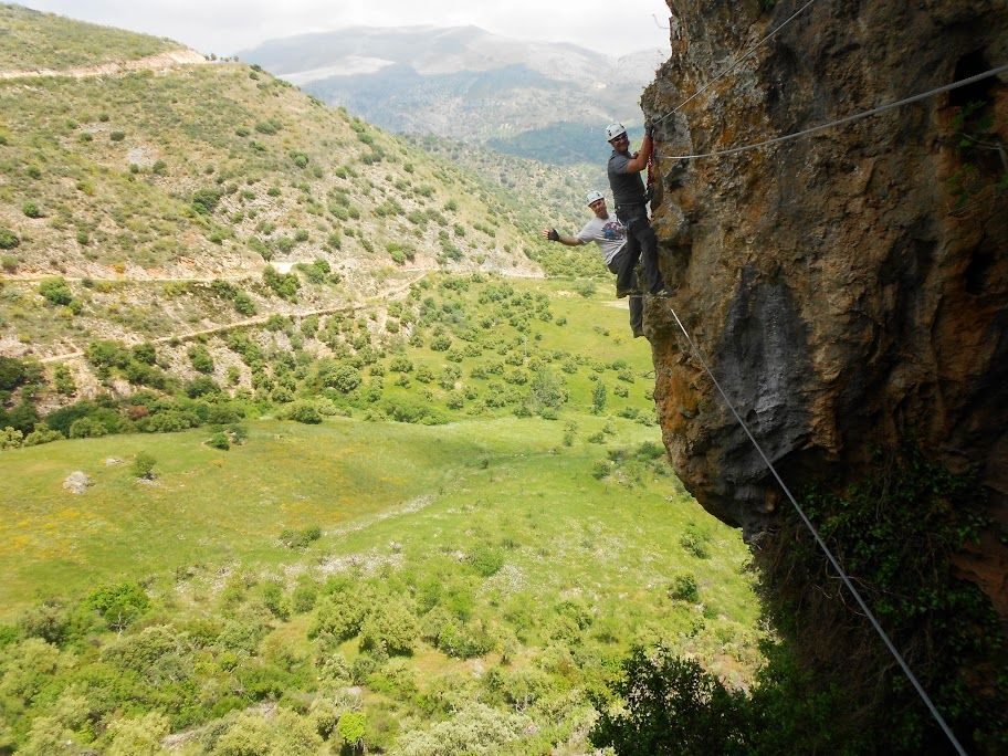 Via-Ferrata-Atajate-01