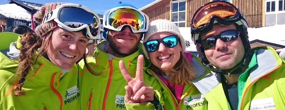 Monitores de Escuela de Esquí Al Andalus Activa